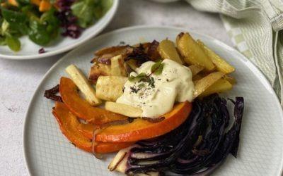 Ofengemüse mit Honig-Senf-Kartoffeln und Frischkäse dazu Feldsalat