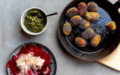 Mohnkartoffeln mit Rote- Bete- Birne Carpaccio und Bärlauchpesto